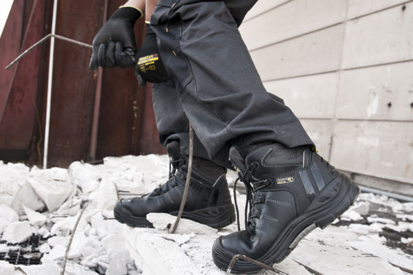 bảo quản giày bảo hộ đúng cách
