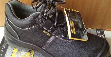 tìm hiểu về giày bảo hộ lao động chống hóa chất